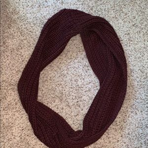 L.A. Hearts burgundy infinity scarf
